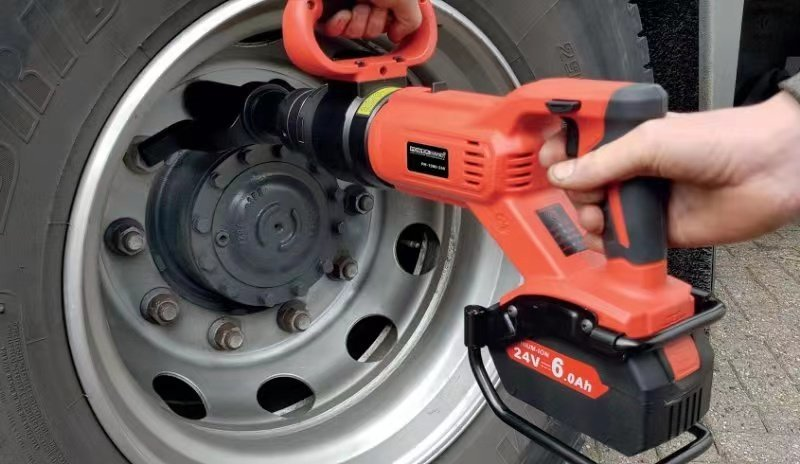 battery torque wrench